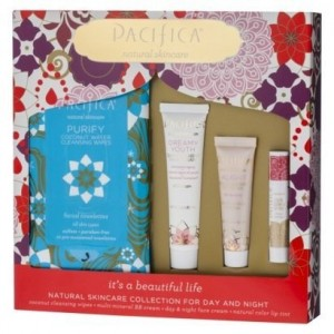 Also found a fun kit with BB Cream, Lip color and the wipes!